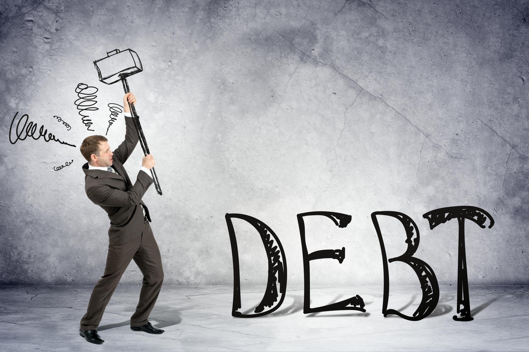 a man smashes debt with these 5 tips
