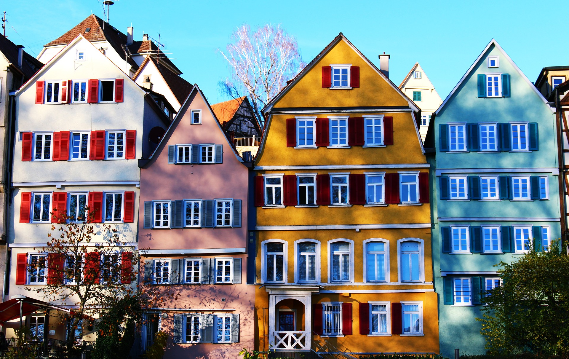 bright houses lined up on the stree